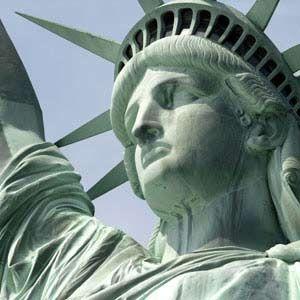 La Statue de la Liberté et Ellis Island                                                                                                                                                                                 Plus