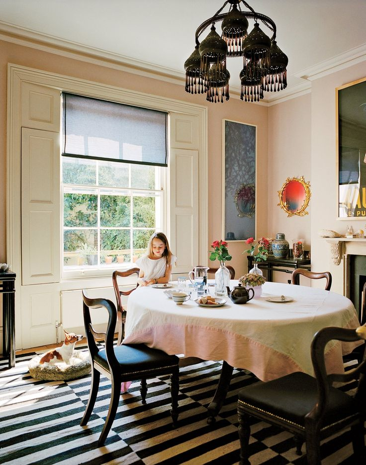 The 30 most beautiful dining rooms from the Vogue archives.