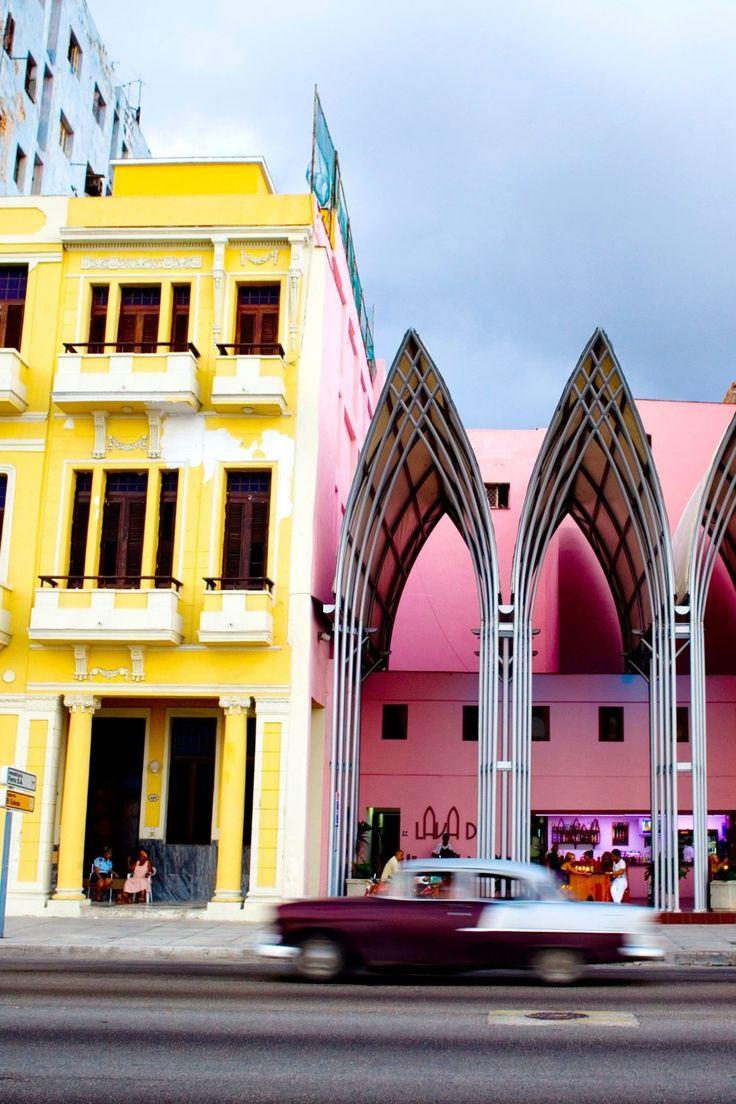 14 schöne Gebäude strahlen Farbe in Kuba aus