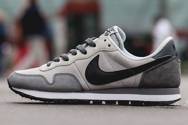 Nike's great grandpa steezin' sneak, the Air Pegasus 83, is served here in some subdued colourways perfect for the winter time. Dark grey suede panels up back, lighter grey contrasting every else – it's nice …