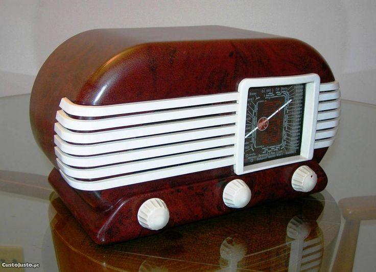 Rádio Art Deco a válvulas, de 1953 - à venda - Antiguidades e Colecções, Lisboa - CustoJusto.pt