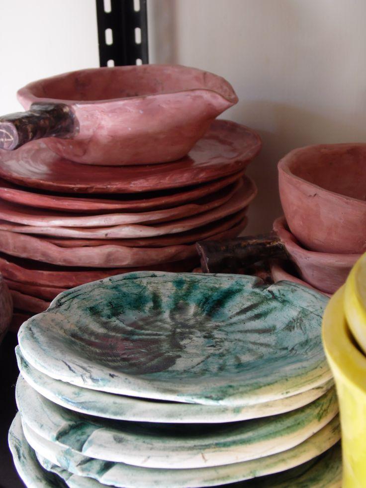 Vasijas de arcilla, acabado pintura al horno.