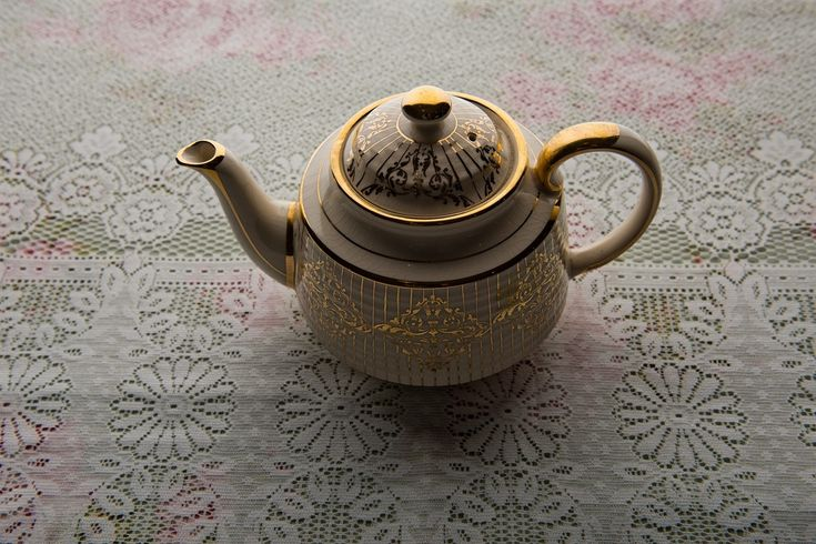 Vintage teapot from Oh So Sweet Occasions. Photo: Beautyteam.ie