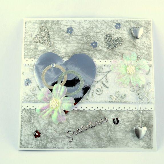 Vakkert bryllupskort, hjerte med gifteringer og blomst  Handmade card, wedding