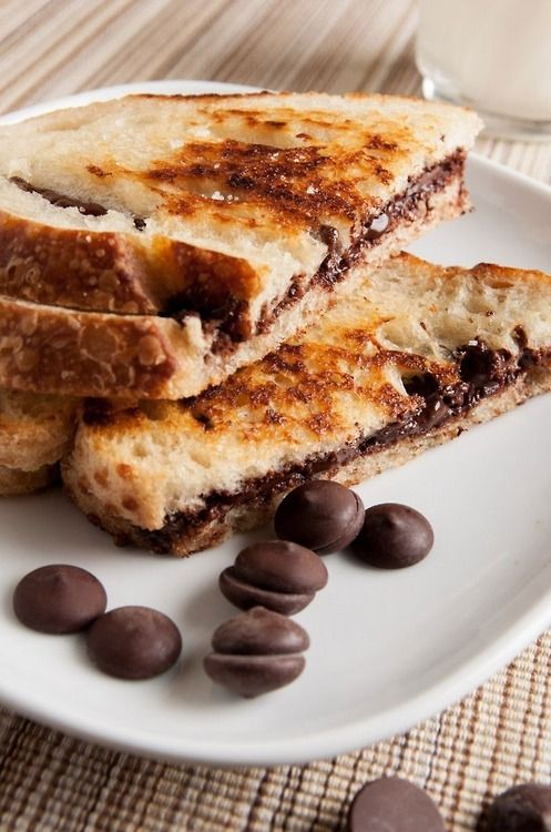 Grilled Chocolate Sandwiches