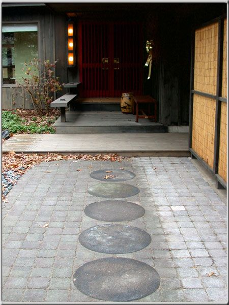 Feng Shui - Jackie Patricia, Beautiful Feng Shui Entry. Slow and Inviting.
