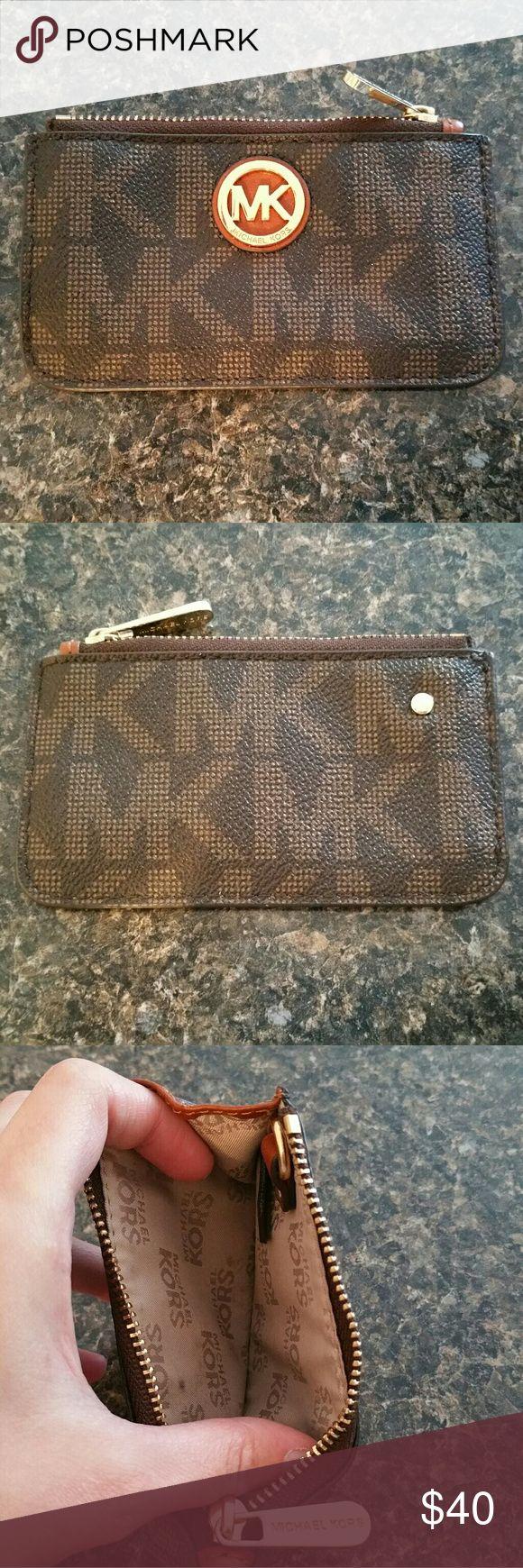 Michael kors coin purse Michael kors coin purse. Excellent condition! Michael Kors Bags Wallets