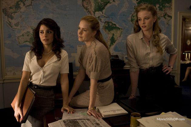 Charlie Wilson's War - Publicity still of Rachel Nichols, Amy Adams & Shiri Appleby