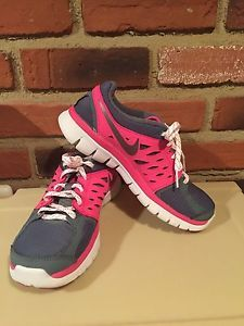 Girls Nike Sneakers Size 5 Y Gray Pink Nike Shoes Youth 5 Nike Flex Run |