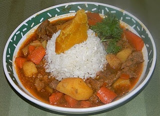 CARNE GUISADA (PUERTO RICAN STYLE BEEF STEW) ~ found at Foodie Friday