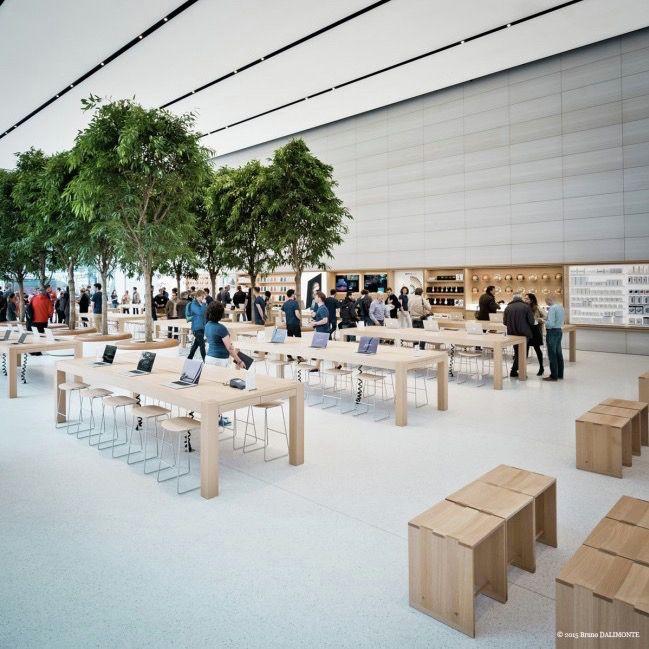 Jony Ive-Designed Apple Store Opens Its Doors,© Bruno Dalimonte via edgargonzalez.com