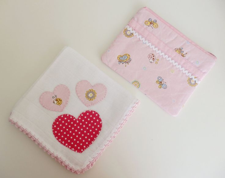 Cotton diaper / burp cloth.  purse to store baby's pacifiers. by MontradaCarolina on Etsy