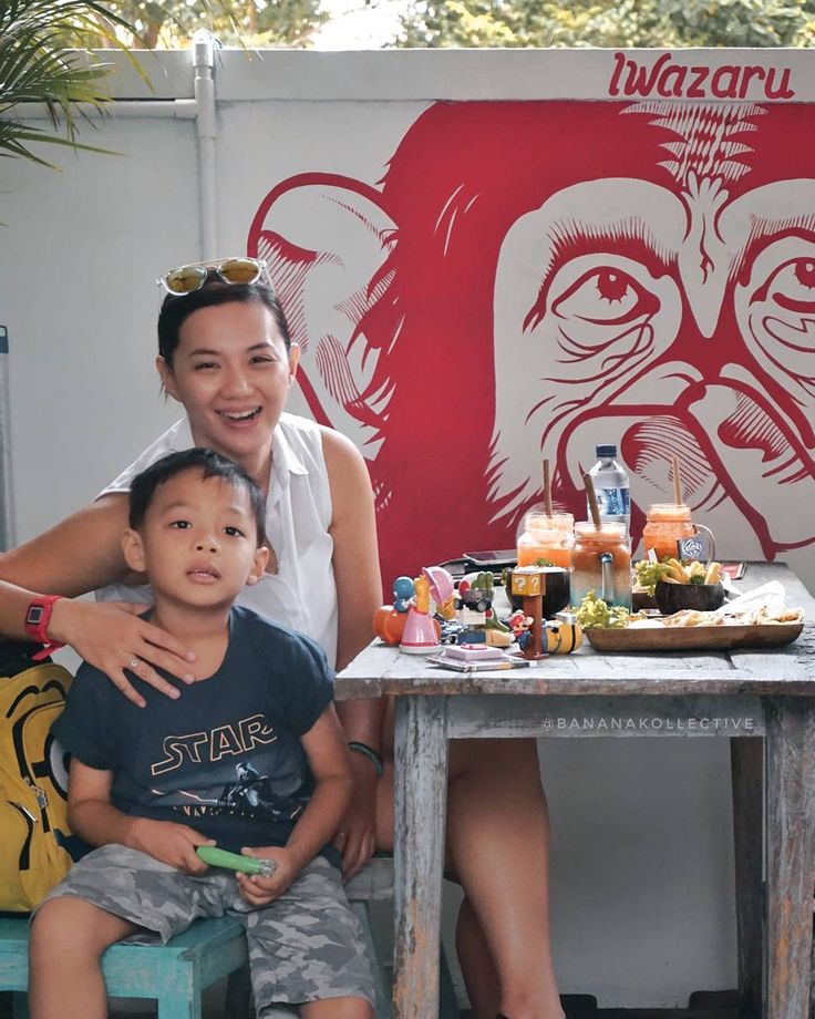 #Bali. We have a really nice breakfast at @KarmaKafeBali #Nakula #Seminyak. For us  this small cafe have a big taste. What is our favorite here? Wait for our next posting. Meanwhile please meet Iwazaru