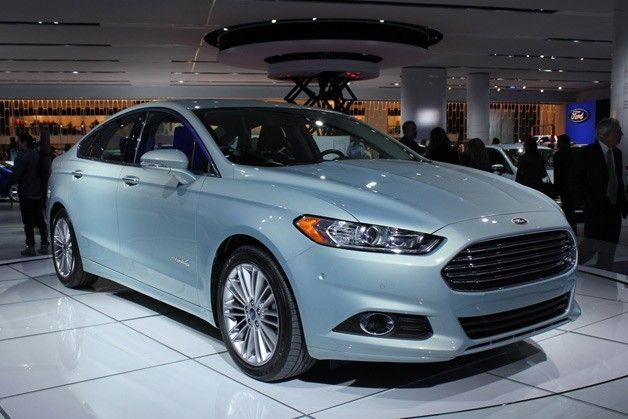 "Need a sweet little sedan? Need mileage? Check out this extraordinarily cool Fusion Hybrid! Very Aston-Martin-ish...even design engineers use ""mentor text/images"" in their designs. Great work, Ford!"