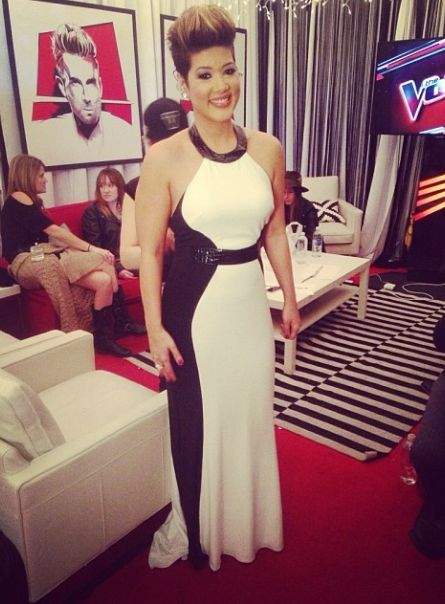 Stunning Tessanne Chin in an Alberto Makali gown. #VoiceTop3