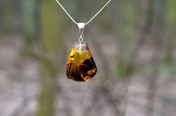 baltic amber silver necklace #balticamber #ambernecklace #amberpendant #amberjewelry #amberjewellery  #jewelry #balticambernecklace #amber #balticamberjewelry