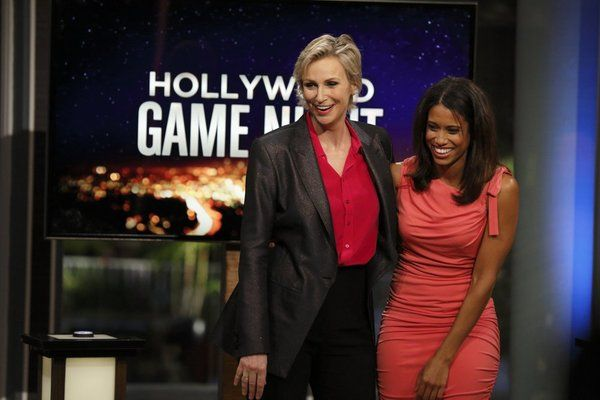 Hollywood Game Night TV Review - commonsensemedia.org