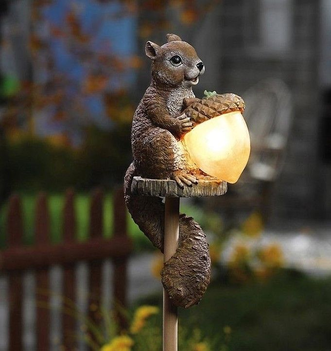 Squirrel Wildlife Outdoor Garden Solar Acorn Statue