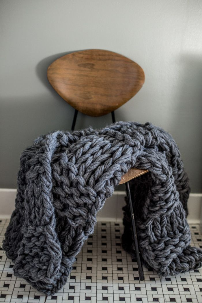 25 unique chunky knit blankets ideas on pinterest knit blankets knitted blankets and chunky. Black Bedroom Furniture Sets. Home Design Ideas