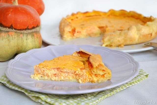 Torta salata con zucca e ricotta, scopri la ricetta: http://www.misya.info/2015/10/20/torta-salata-con-zucca-e-ricotta.htm