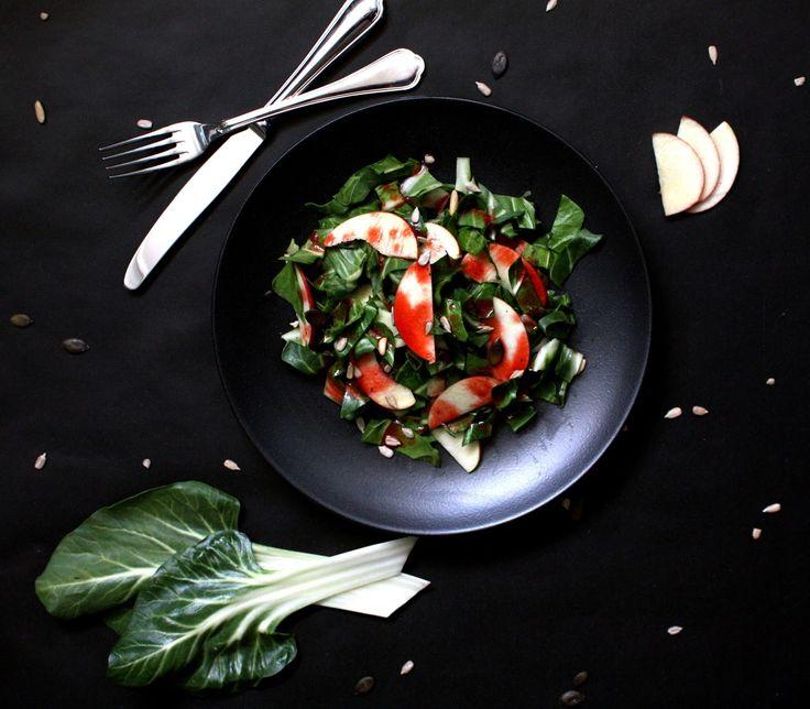 Viera´s Kitchen: Mangold-Apfel-Salat mit Himbeervinaigrette von Brutzelmania