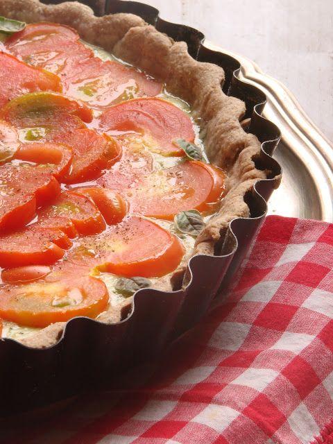 torta salata crescenza pomodori e pesto