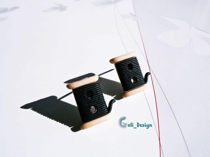 Ohrstecker - Ohrstecker Knopf #472 Garnrolle nähen schwarz - ein Designerstück…