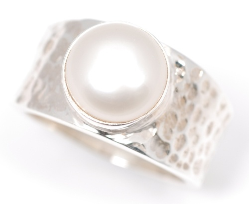 So lovely in Pearls............$85