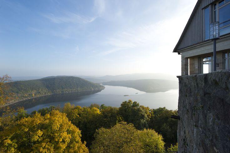 Die Grimmheimat Nordhessen - Die Mittelgebirgslandschaft bildet eine vielfältige Kulisse für Wanderungen auf abwechslungsreichen Prädikatswegen, im Nationalpark Kellerwald-Edersee