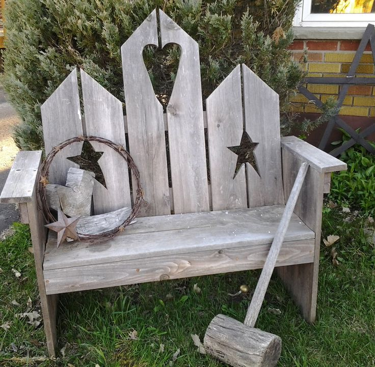 Birdhouse bench.. Thinking I may make a new one this year with a slightly different design
