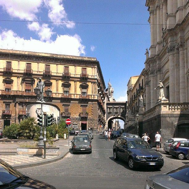 Per strada verso via Crociferi - Catania