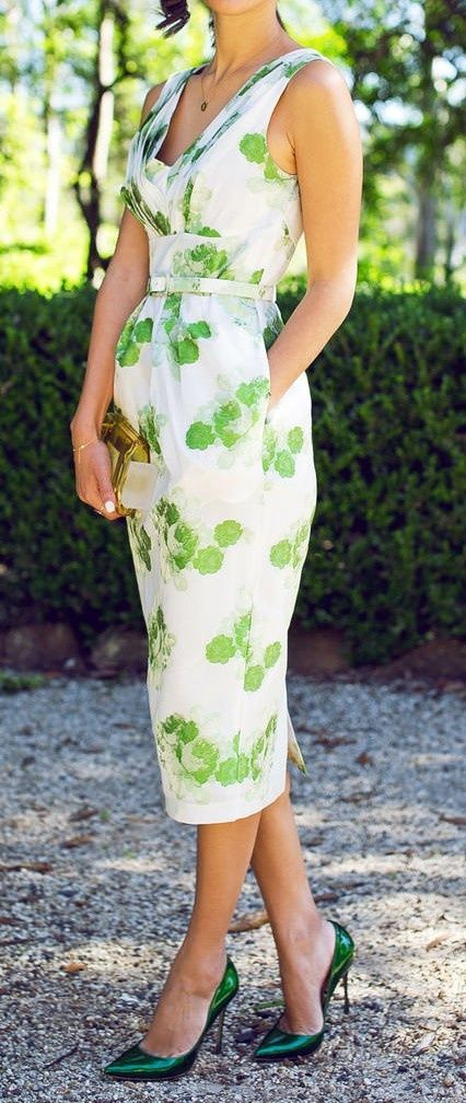 Beautiful sleeveless green and white print summer dress for ladies. Would be just as light and lovely for summer at a shorter length too. This length looks a bit 1980s retro.