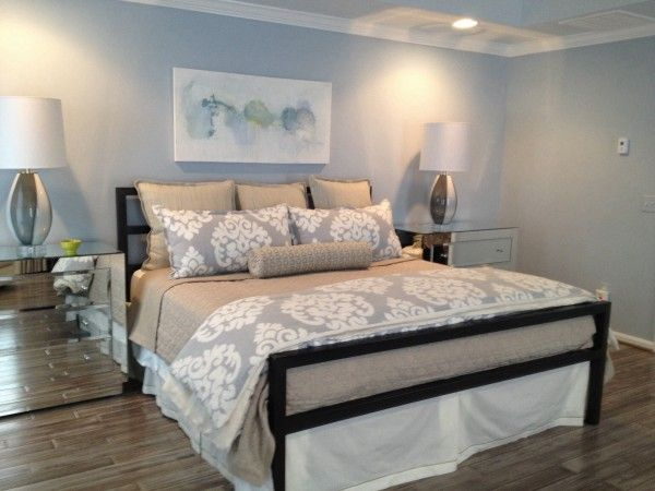 Benjamin Moore Mt Rainier Gray On Walls Silver Cloud On