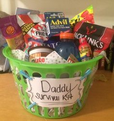 Daddy survival kit, dad to be gift, new dad gift- Some things for energy, something for the inevitable headache, and supplies to get and stay refreshed! Pinterest | @Rachel Johnston