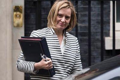 Récord histórico de parlamentarias en Reino Unido. 207 mujeres han sido elegidas a la Cámara de los Comunes, superando el anterior récord de 196 logrado en las elecciones de 2015. Solo el 32% de los diputados son mujeres, frente al 30% de las anteriores elecciones. Nadia Khomami | El Diario, 2017-06-09 http://www.eldiario.es/theguardian/Record-historico-parlamentarias-Reino-Unido_0_652685514.html
