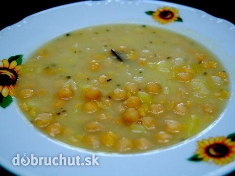 Fotorecept: Kyslá cícerová polievka so zemiakmi