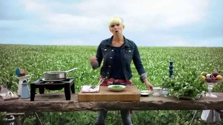 Mat-Tinas enkla recept på krämig ärtsoppa: http://www.senses.se/veckans-recept-kramig-artsoppa-signerad-mat-tina/