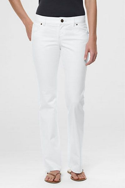 2, a pair of white jeans: a mid-rise, boot cut is the most flattering for all body types