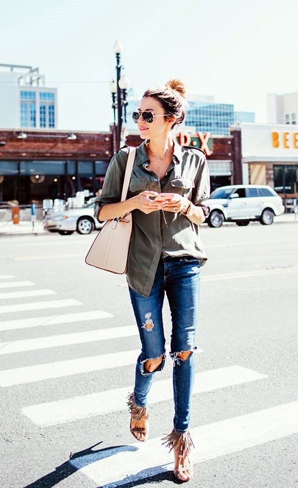 10 Tips To Wear Ripped Jeans With Style