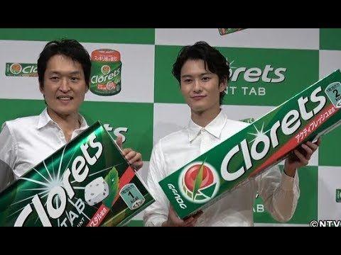 「クロレッツ新CM発表会」が4日、東京・千代田区で行われ、俳優の岡田将生とお笑いコンビ・千原兄弟の千原ジュニアが登場した。 今回、ガム・ミントタブレットブランド『クロレッツ』の製品がリニューアル。同商品の新CMキャラクターを務めた岡田は「新CMを見て多くの方々にクロレッツを食べて頂けたらいいなと思う」とPR。 応...