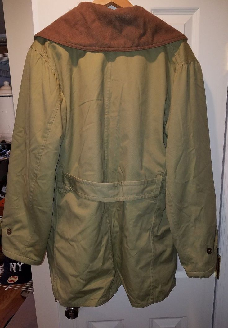 Nice large Mackinaw winter combat jacket made by what price glory wpg. No longer made by them and very hard to find. Nice shape. Had a division patch sewn on at one point and has one nip in wool lining up to the left side of neck from the label. See pic 7. Other than that no wear. | eBay!