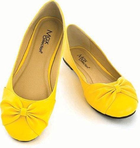 Spätestens für die Hochzeitsparty die richtige Wahl: gelbe Ballerinas.