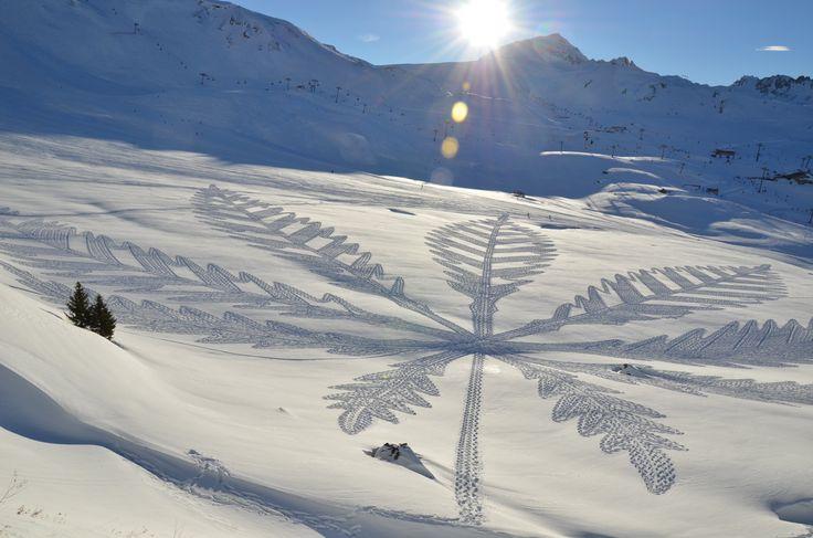 Simon Beck, Snow Art. Les pieds dans la poudreuse | Courrier international