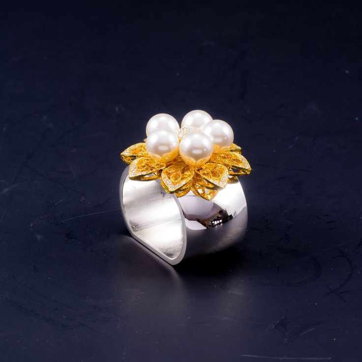 5-Pearl Gold Napkin Rings Featuring Swarovski © Crystals | Set of 4
