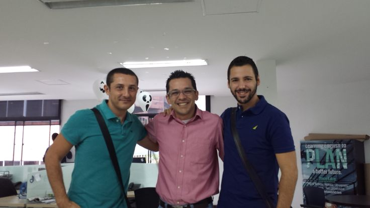 Junto con @fransinaia y @paquitolorente directamente desde España unos cracks del #MarketingSocial y el #NeuroMarketing