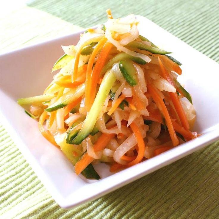 3色野菜の細切りオイキムチ | 料理動画(レシピ動画)のkurashiru [クラシル]