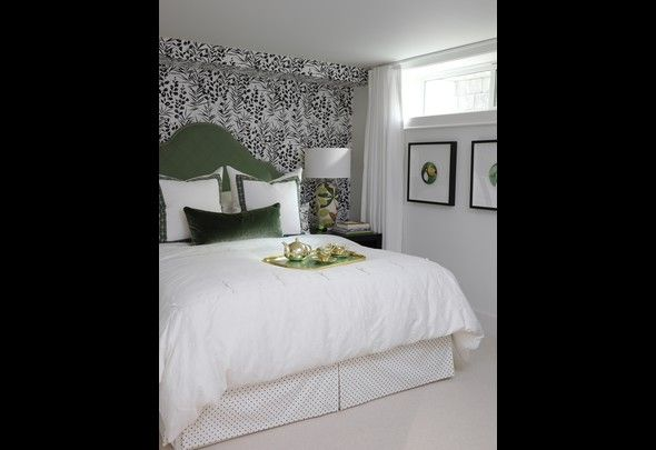 Sarahs House: A Fixer Upper in the City - green black & white bedroom