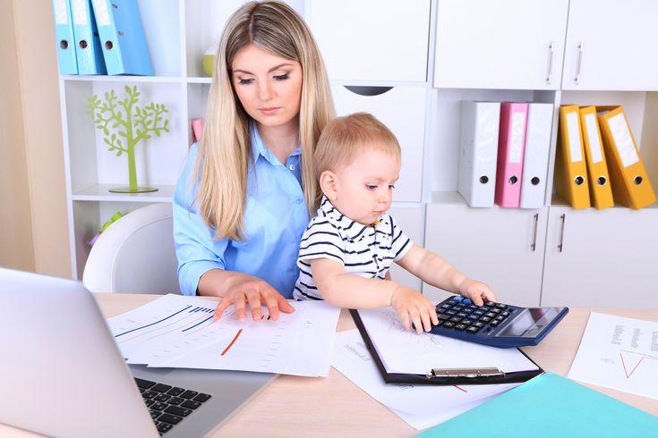 Tutkimus: Työelämässä olevien äitien tyttäret tienaavat enemmän