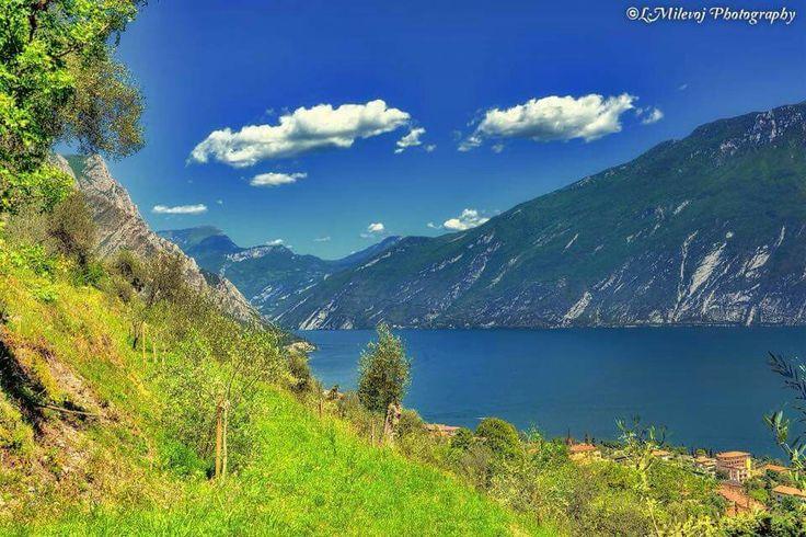 Senza parole... [foto Limone sul Garda e dintorni] #LagoDiGarda #VisitLagoDiGarda #LakeGarda #VisitLakeGarda #Gardasee #Gardameer #GardaLake #Gardasøen #Italy #Italia #Italien #Italië #InstaGarda http://instagarda.it