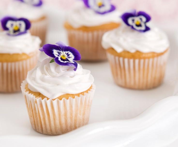 Candied Violet Cupcakes (via Letizia Golosa)